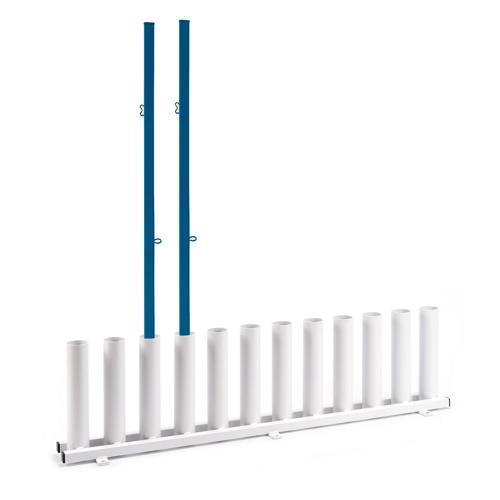 Rangement vertical pour poteaux de badminton