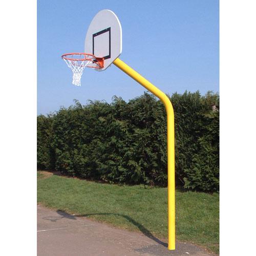 But de basket de diamètre 114 à hauteur de 3, 05m, galvanisé et plastifié, deport de 1, 20m, panneau pes 1/2 lune 1120x7