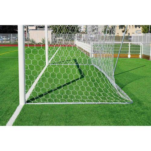 2 Systèmes de relevage du filet pour but de football à 11
