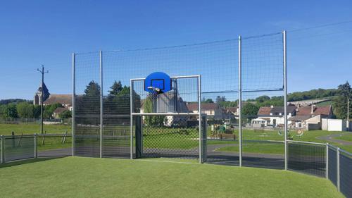 Panneau de basket polyester forme demi lune