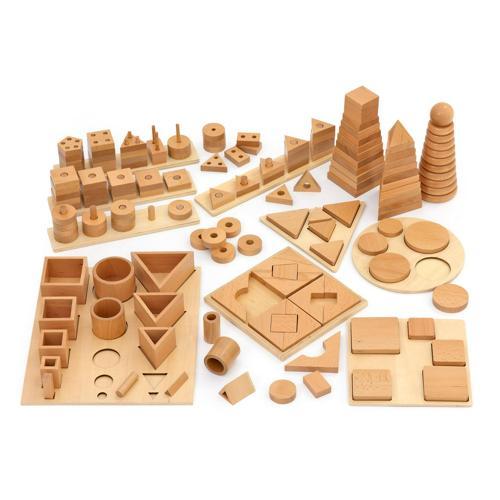 Lot de 12 jeux en bois