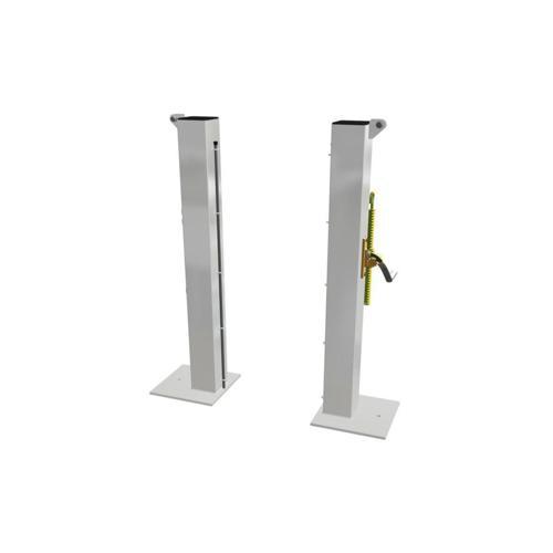 Poteaux en acier carré 80 sur platine / la paire