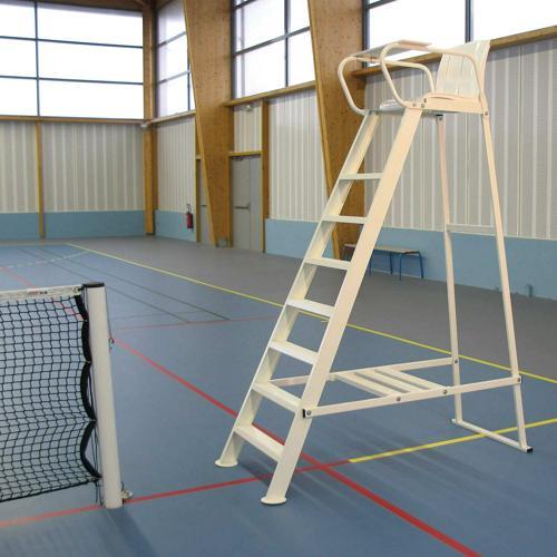 Chaise d'arbitre de tennis en acier